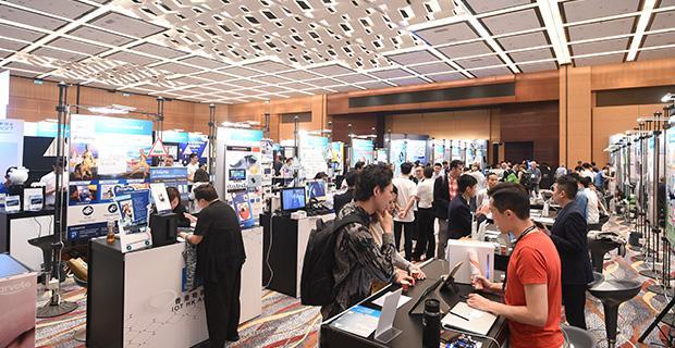 홍콩 전자전 추계 (HKTE)에는 140개국의 5만명의 바이어가 방문합니다.